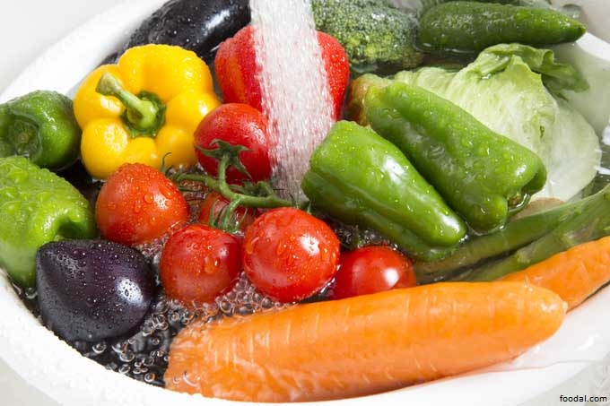 wash veggies health video blog